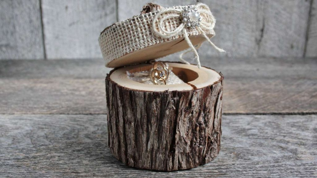 eco friendly rings on wooden ring box